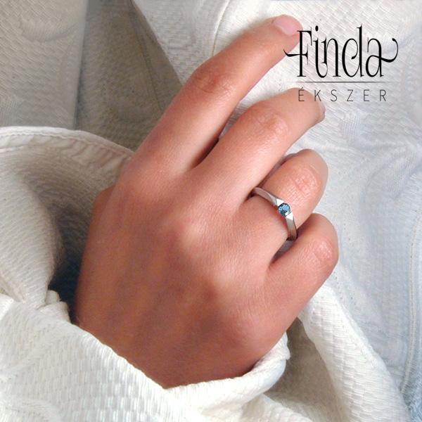 piros gyűrű a kezén mi a pikkelysmr orvosa a fejn